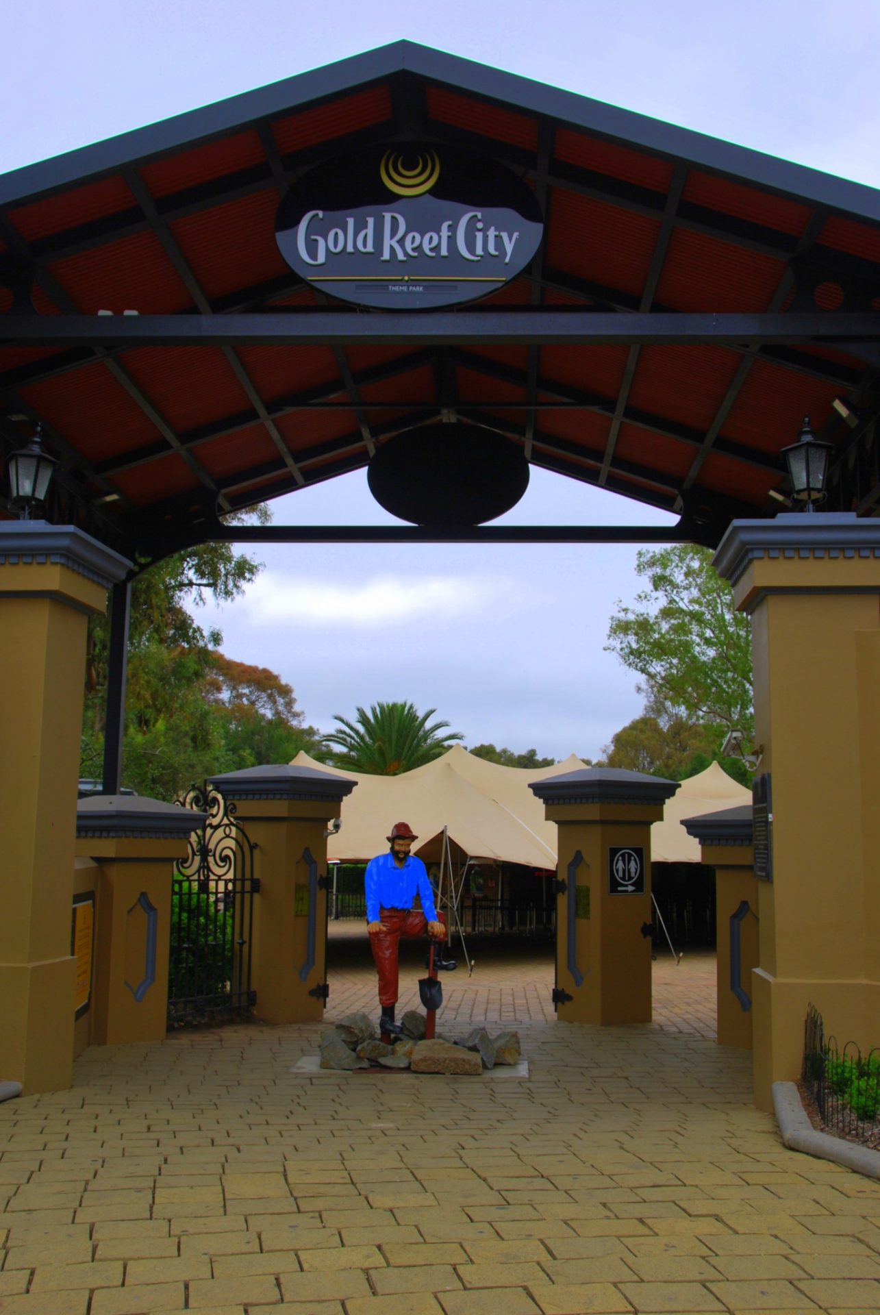Golf Reef City Day Tours