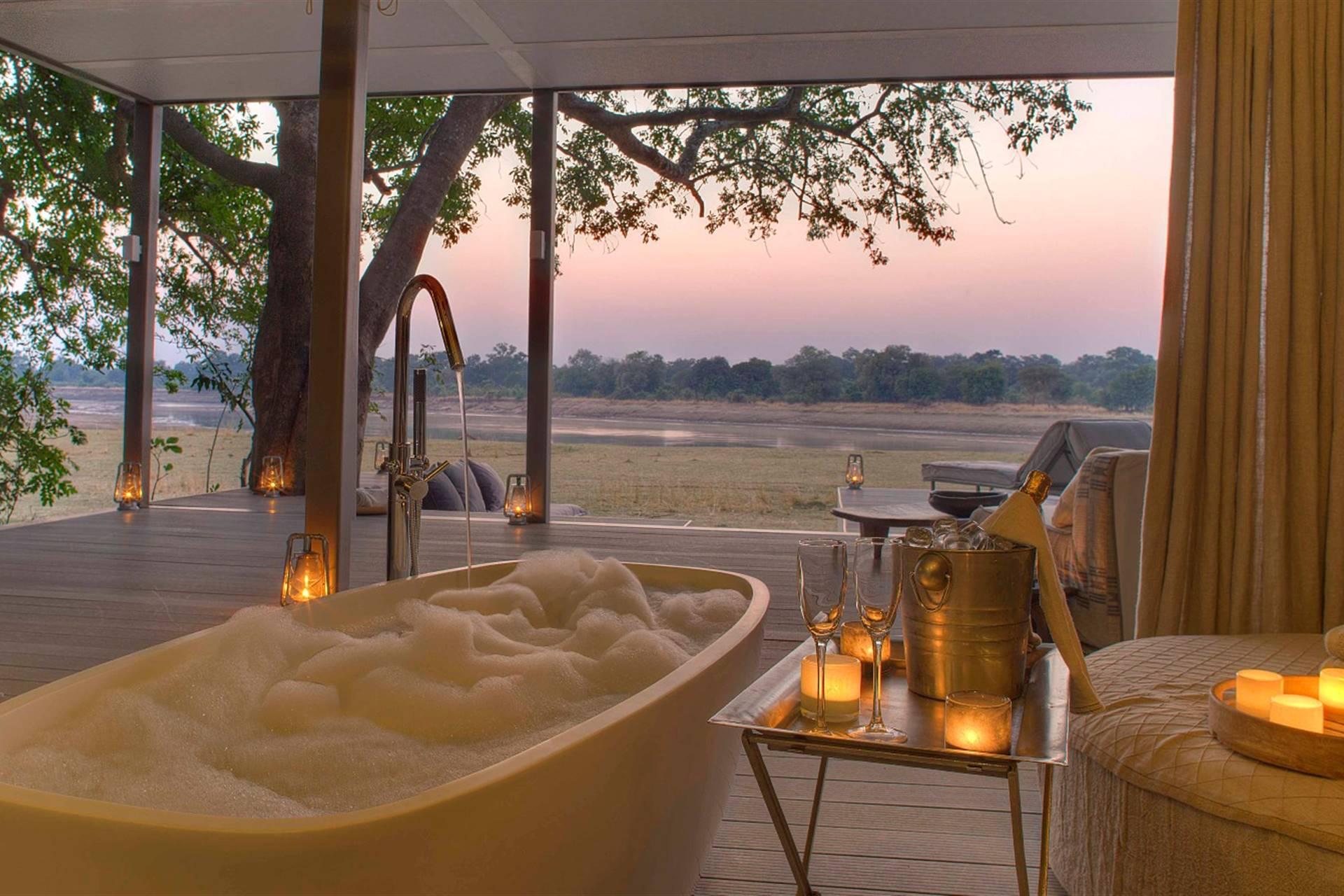 Chinzombo Safari Lodge