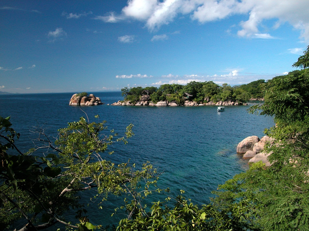 Malawi Kayaking Adventures & Bike Routes