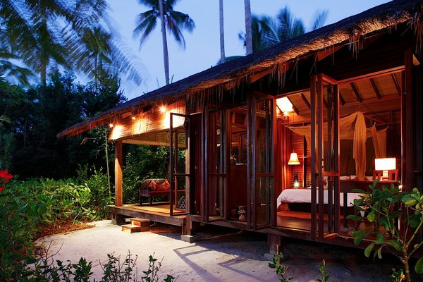 Phuket & Phi Phi Island Holiday Combo