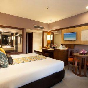 Phuket and Phi Phi Island Holiday Combo