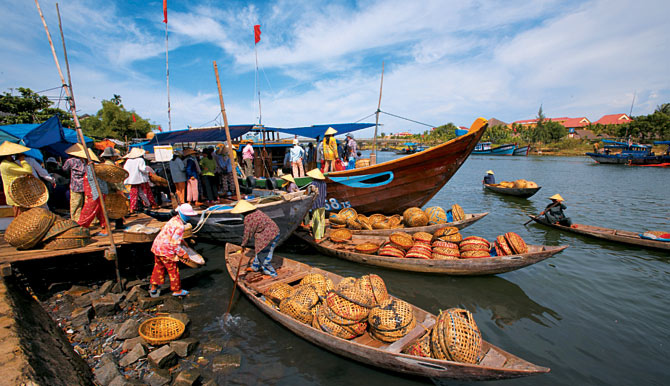 10 Day Highlights of Vietnam Tour